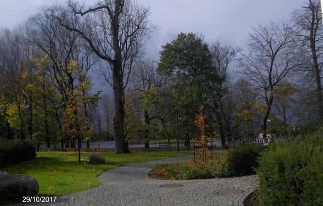 The TOPASZ castle's garden - behind the violent storm