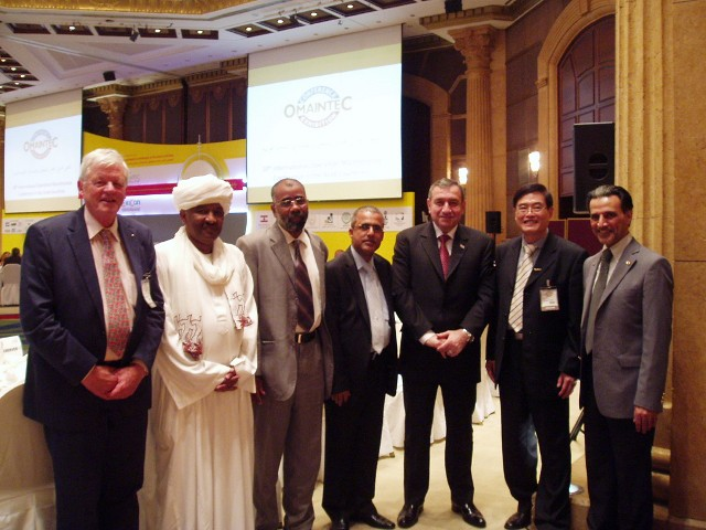 The Gala Dinner was a real come-to-gether event.<BR>  2nd left: The Ambassador from Sudan; 2nd right: Mr Li Baowen (CN).