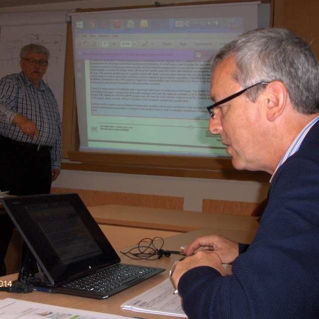 Real work: Filling out the Report Form; left: Ingemar Andréason, right: Donal Nolan, IE.